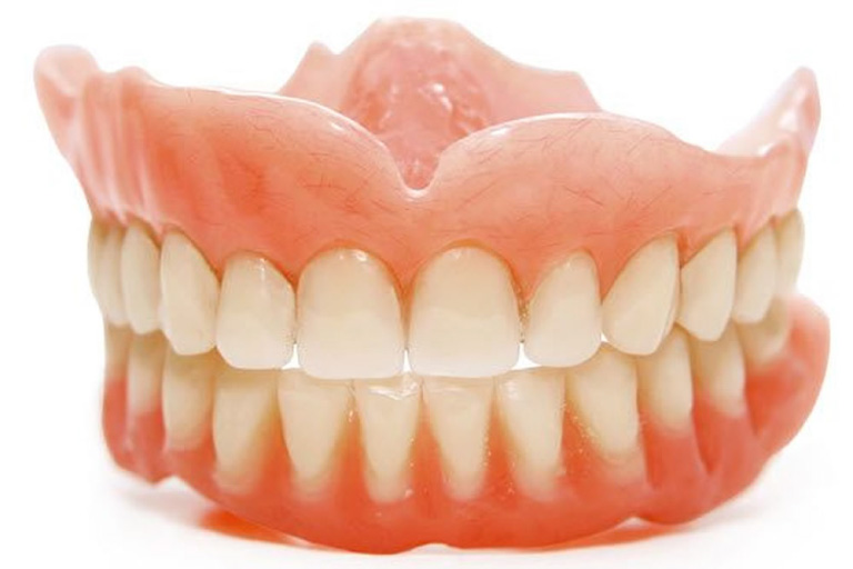 リハビリに使用する義歯