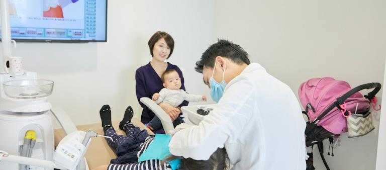 お子様連れでも気軽に通院できるキッズコーナー完備の小児歯科
