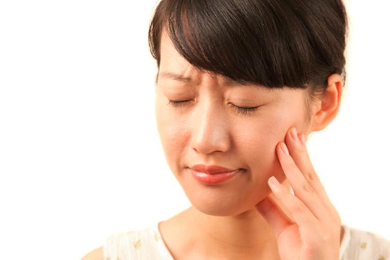 抜歯後の痛みを誘発するドライソケットとは